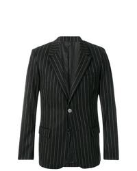 Черный пиджак в вертикальную полоску