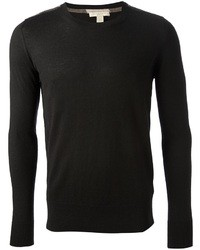 Черный свитер с круглым вырезом