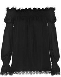 Черный топ с открытыми плечами от Oscar de la Renta