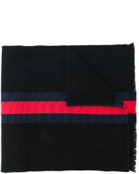 Черный шарф в горизонтальную полоску