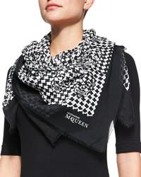 Черный шелковый шарф с принтом