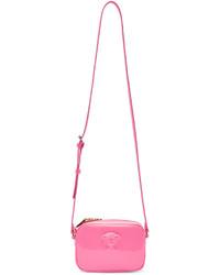b2cc7dae4685 Купить женскую ярко-розовую сумку Versace - модные модели сумок ...
