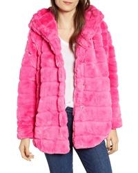 Ярко-розовая шуба