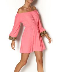 Ярко-розовое платье-крестьянка