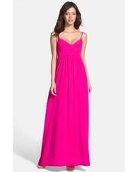 Ярко-розовое платье-макси