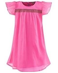 Ярко-розовое платье