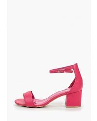 Ярко-розовые кожаные босоножки на каблуке от Mellisa