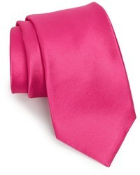 Ярко-розовый галстук