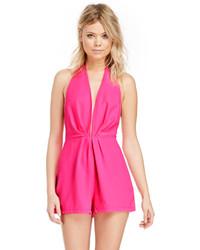 Ярко-розовый комбинезон с шортами