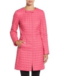 Ярко-розовый пуховик