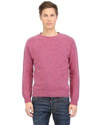 Ярко-розовый свитер с круглым вырезом