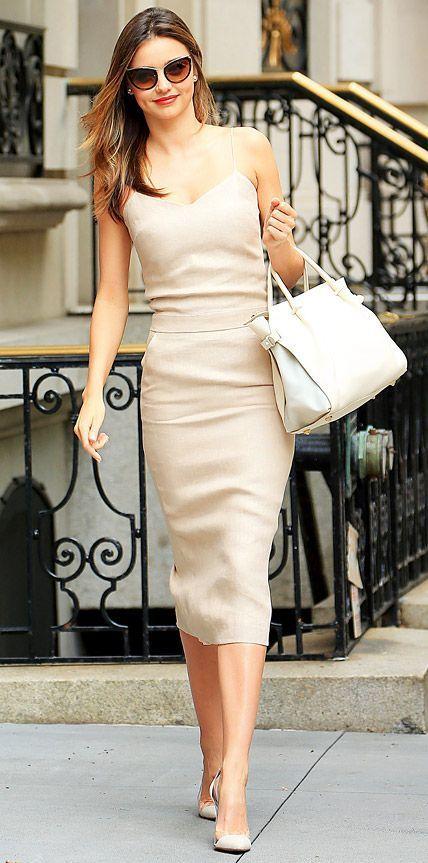 Бежевые модные платья фото