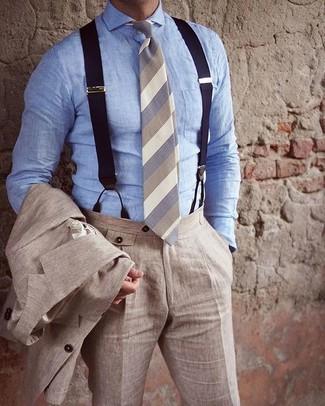 Как и с чем носить: бежевый льняной костюм, голубая классическая рубашка из шамбре, бежевый галстук в горизонтальную полоску, темно-синие подтяжки