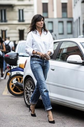 белая классическая рубашка темно синие джинсы бойфренды черные замшевые туфли large 19172