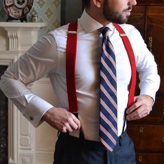 Как и с чем носить: белая классическая рубашка, черные классические брюки, бело-красно-синий галстук в вертикальную полоску, красные подтяжки