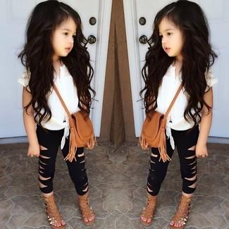 Как и с чем носить: белая майка, черные леггинсы, светло-коричневые босоножки