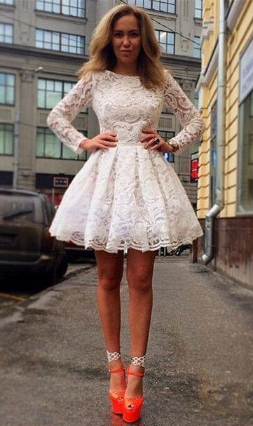 Платье с пышной кружевной юбкой фото