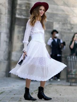 Как и с чем носить: белое шифоновое платье-миди, черные кожаные ковбойские сапоги, черная кожаная сумочка, темно-красная шерстяная шляпа