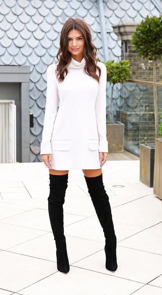 белое платье свитер черные замшевые ботфорты large 15520