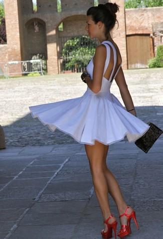 Короткие юбки и красивые ножки фото