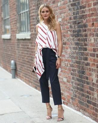 Как Olivia Palermo носит Бело-красный топ без рукавов в вертикальную полоску, Черные брюки-галифе, Черные кожаные босоножки на каблуке, Черные кожаные часы