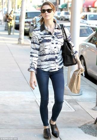 бело черная классическая рубашка темно синие джинсы скинни черные ботинки челси large 1001
