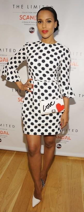 бело черное платье футляр в горошек бело черные кожаные туфли бело красная кожаная сумка через плечо large 9680