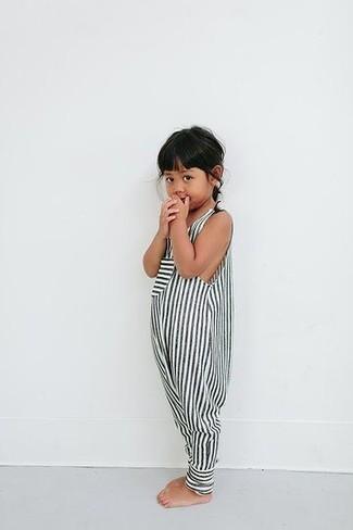 Как и с чем носить: бело-черный комбинезон с шортами в полоску