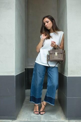 Синие джинсы-клеш от Just Cavalli