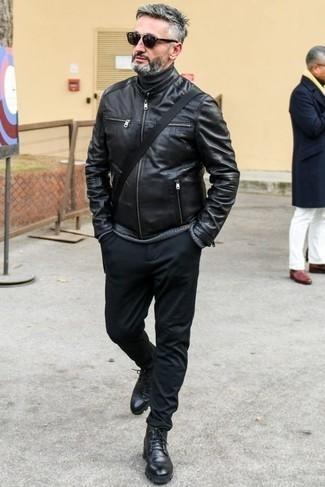Куртка: с чем носить и как сочетать мужчине: Создав образ из куртки и черных брюк чинос, можно уверенно отправляться на свидание с возлюбленной или вечер с приятелями в расслабленной обстановке. Завершив образ черными кожаными повседневными ботинками, можно получить неожиданный результат.