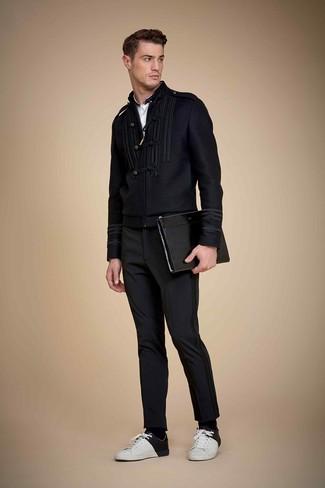 53eb23ab2e3 Какие классические брюки носить с бело-черными низкими кедами ...