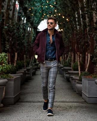 Как и с чем носить: темно-красный шерстяной бомбер, темно-синяя рубашка с длинным рукавом из шамбре, серые брюки чинос в шотландскую клетку, темно-синие замшевые монки с двумя ремешками