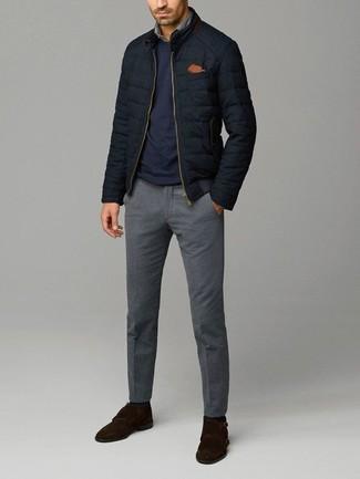 Как и с чем носить: черный стеганый бомбер, темно-синий свитер с круглым вырезом, серая джинсовая рубашка, серые шерстяные классические брюки