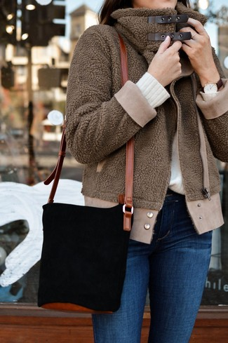 Коричневый бомбер: с чем носить и как сочетать женщине: Коричневый бомбер и синие джинсы скинни — must have элементы в гардеробе барышень с чувством стиля.