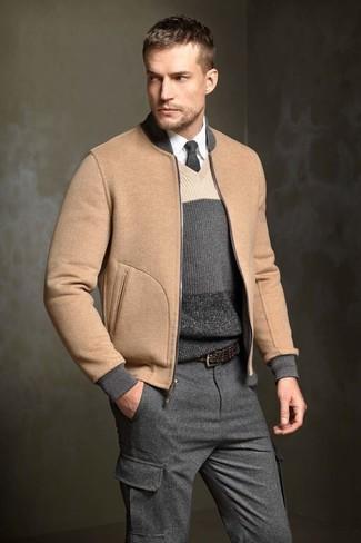 Модный лук: Светло-коричневый шерстяной бомбер, Темно-серый свитер с v-образным вырезом в горизонтальную полоску, Белая классическая рубашка, Темно-серые шерстяные брюки карго