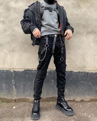 Как и с чем носить: черный бомбер, серый свитшот, черные рваные зауженные джинсы, черные кожаные рабочие ботинки