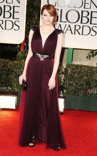 Модный лук: Темно-красное вечернее платье со складками, Черные кожаные босоножки на каблуке, Черный клатч, Черный пояс с украшением