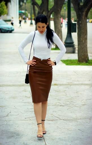 09cae7dfd11 С чем носить темно-коричневую кожаную юбку-карандаш  Модные луки (8 ...