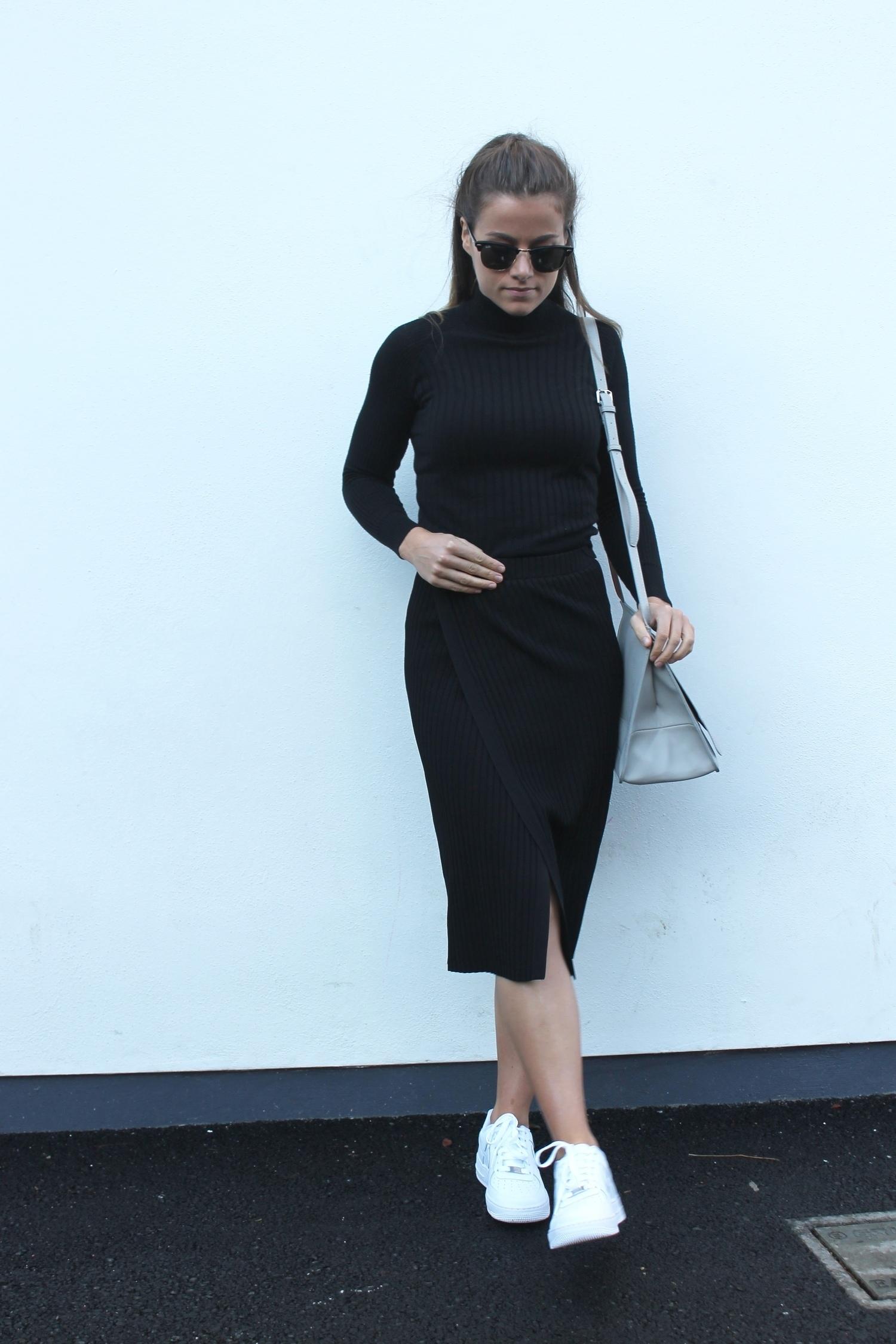 Черная юбка карандаш черная водолазка