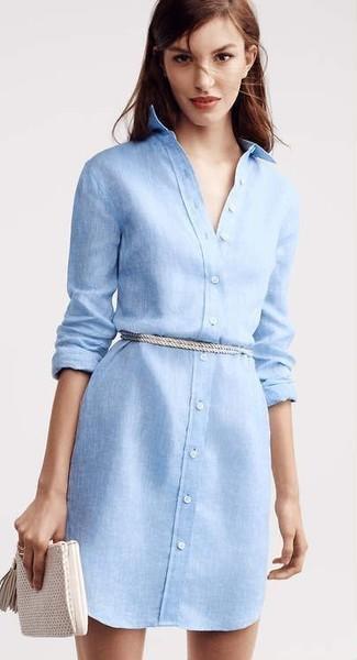 166a7f674110 ... Голубое льняное платье-рубашка — отличный ансамбль, если ты ищешь  простой, но в
