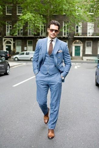 Как и с чем носить: голубой двубортный пиджак, голубой жилет, белая классическая рубашка, голубые классические брюки