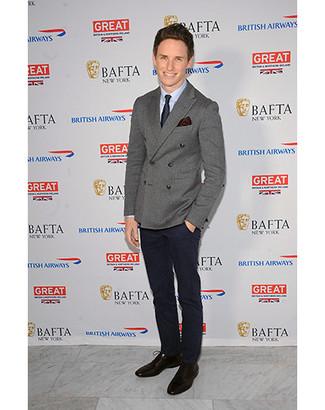 двубортный пиджак классическая рубашка классические брюки туфли дерби галстук нагрудный платок large 5118