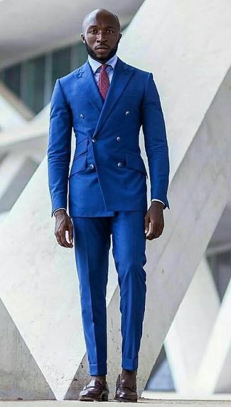 Как и с чем носить: синий двубортный пиджак, голубая классическая рубашка, синие классические брюки, темно-коричневые кожаные лоферы