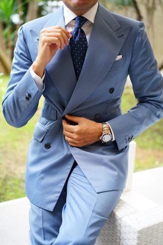 Как и с чем носить: голубой двубортный пиджак, белая классическая рубашка, голубые классические брюки, темно-синий галстук в горошек