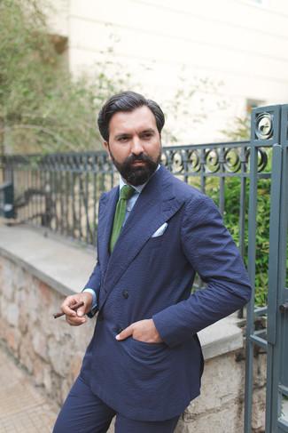 Как и с чем носить: темно-синий двубортный пиджак из жатого хлопка, голубая классическая рубашка в вертикальную полоску, темно-синие классические брюки из жатого хлопка, зеленый вязаный галстук
