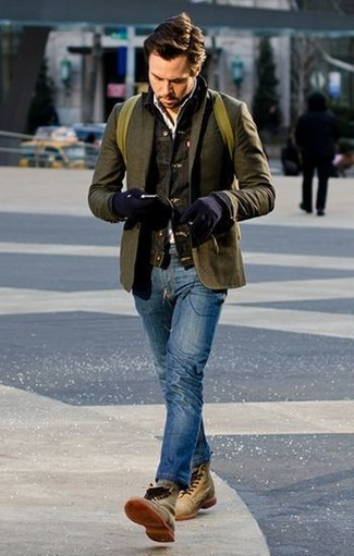 Как и с чем носить: темно-серая джинсовая куртка, оливковый шерстяной пиджак, белая рубашка с длинным рукавом, синие джинсы