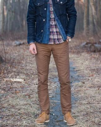 С чем носить коричневый браслет мужчине: Если ты делаешь ставку на комфорт и функциональность, темно-синяя джинсовая куртка и коричневый браслет — прекрасный выбор для привлекательного мужского лука на каждый день. Закончив лук светло-коричневыми замшевыми туфлями дерби, получим занятный результат.