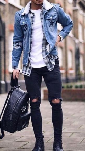 Как и с чем носить: синяя джинсовая куртка, темно-сине-белая рубашка с длинным рукавом в шотландскую клетку, белая футболка с круглым вырезом, черные рваные зауженные джинсы