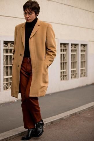 Мужские луки: Если ты приписываешь себя к той редкой категории парней, способных разбираться в моде, тебе придется по вкусу тандем светло-коричневого длинного пальто и табачных брюк чинос.