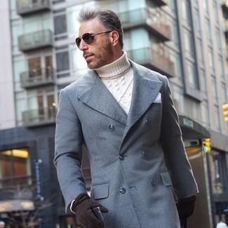 Как и с чем носить: серое длинное пальто, белая вязаная водолазка, белый нагрудный платок, черные замшевые перчатки